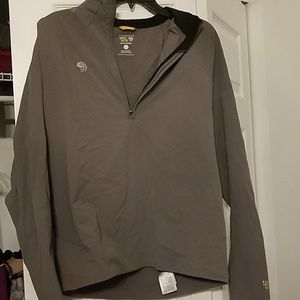 Mountain Hard Wear pullover jacket w/pocket